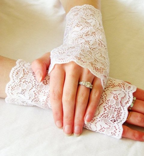1 lace gloves
