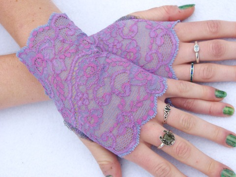 gloves0228b