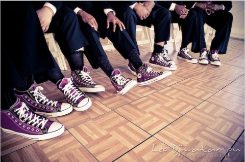 purple-converse-for-groomsmen-wedding