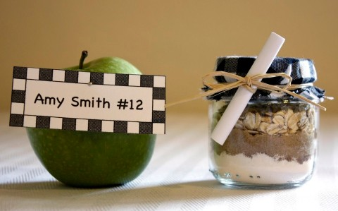 diy wedding favor apple crisp