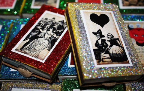 dayofthedeadweddingfavormatchboxes